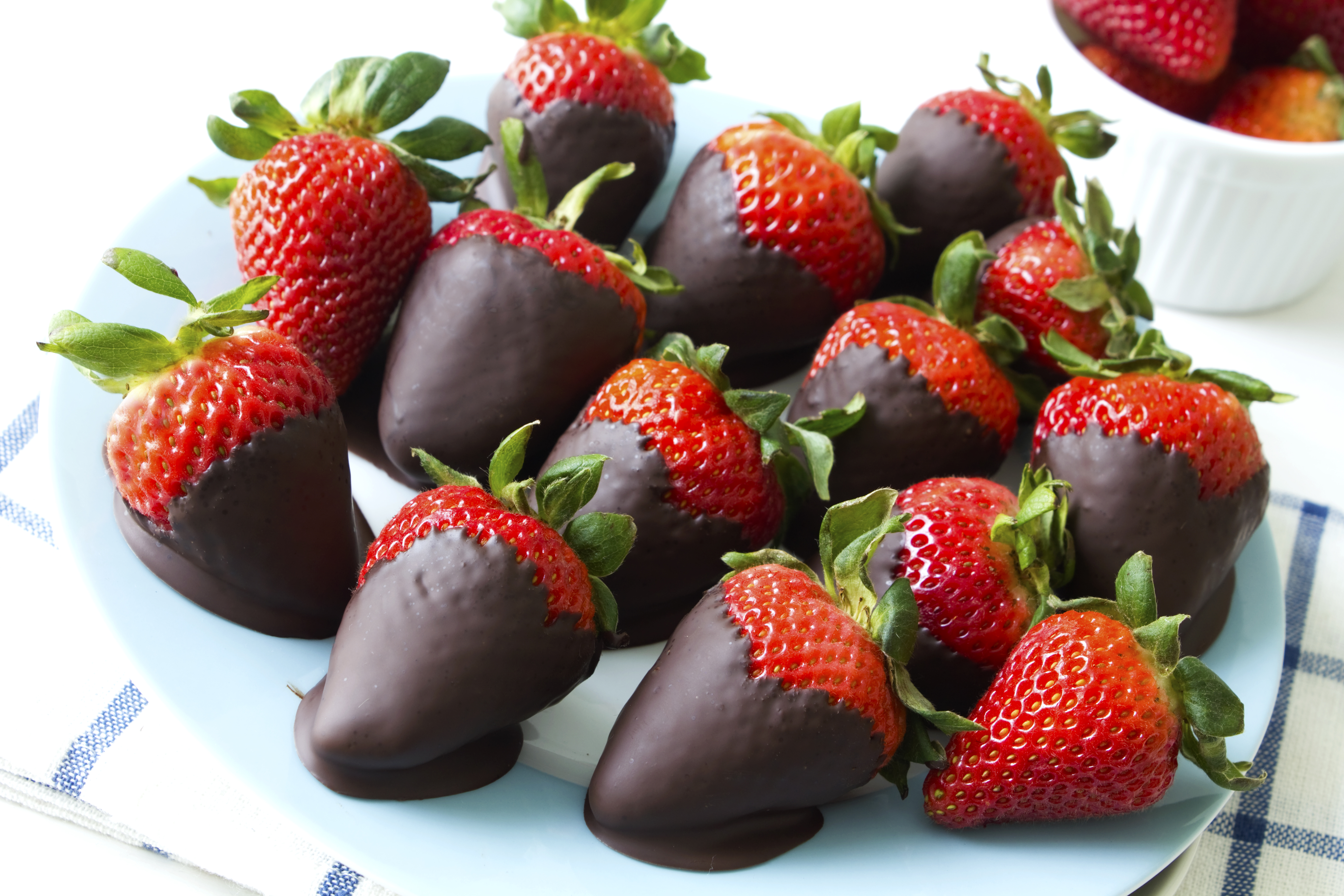 Healthy Fresh Chocolate covered strawberries